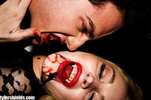 lindsay lohan vampire look. lindsay lohan vampire photos.