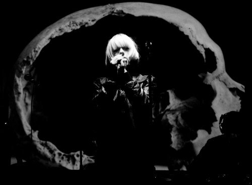 Lisa-Elle-Skull-projection-Dark Horses Elektrowerks-London-byAli-Tollervey