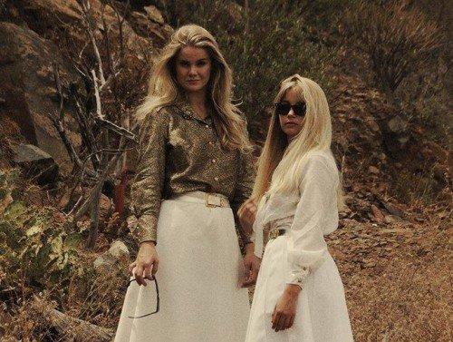 Mona and  Maria2