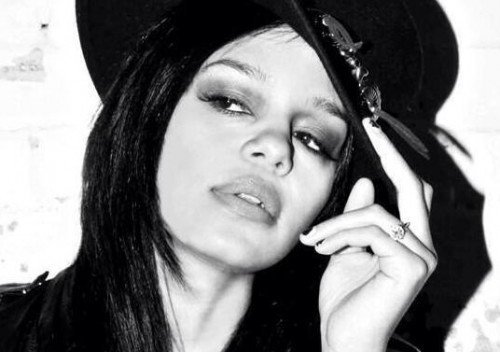 "FEFE DOBSON Q&A: ""WHEN I'M ON STAGE LIFE IS GOOD ..."