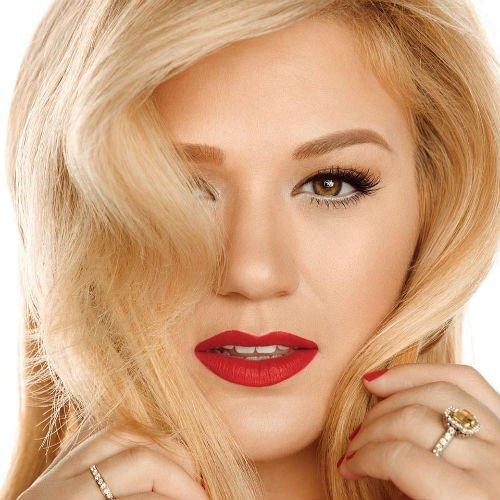 Kelly Clarkson1