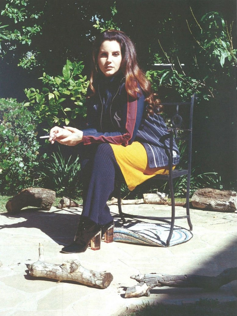Lana Del Rey - Marfa Journal - Issue 4 (10)