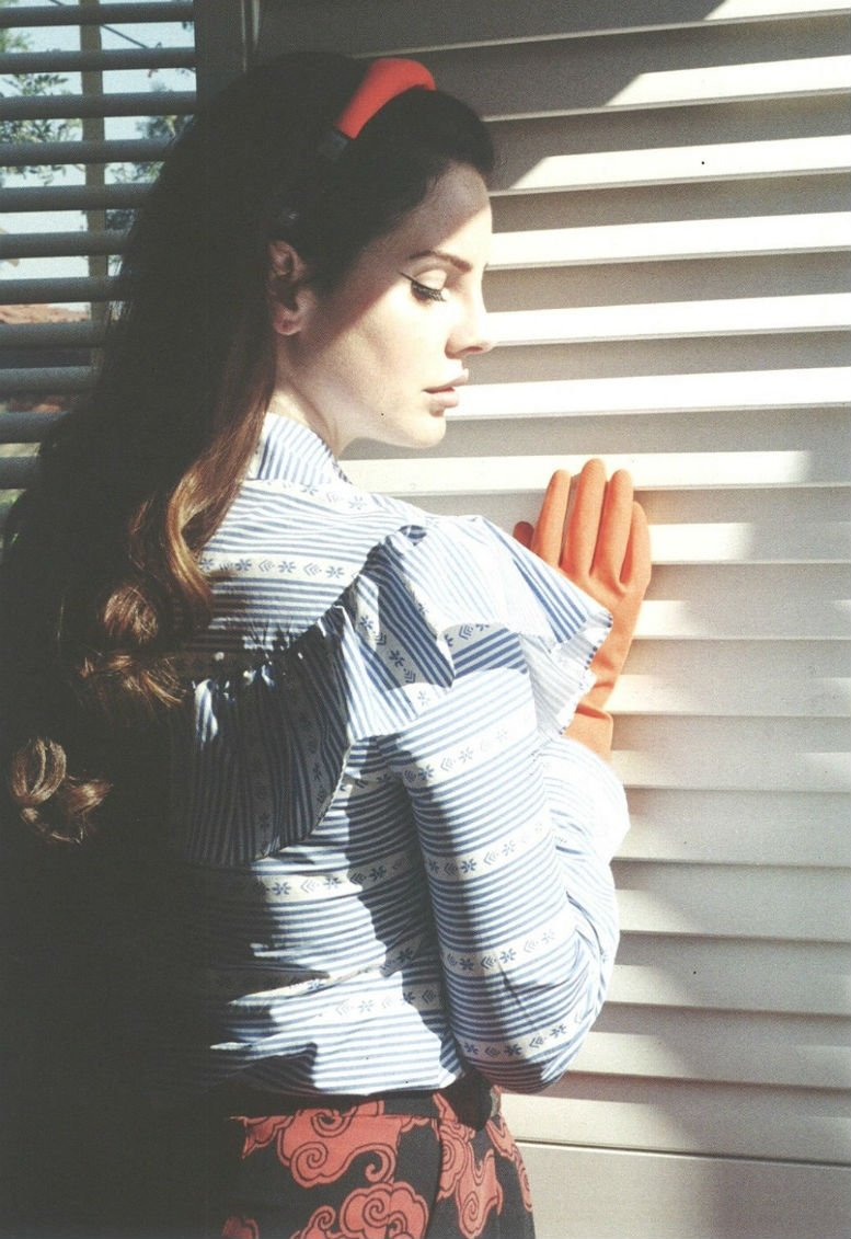 Lana Del Rey - Marfa Journal - Issue 4 (7)