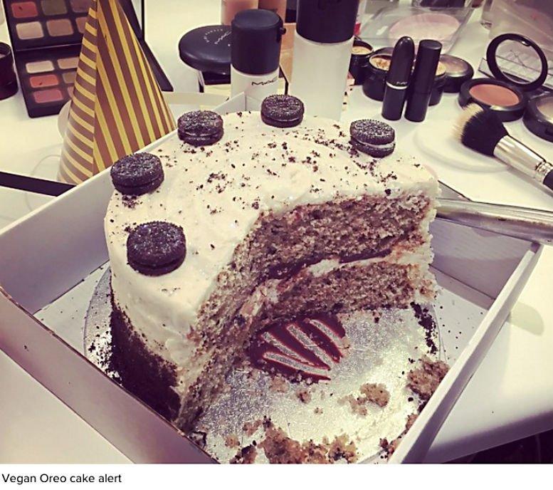 ellie g  vegan oreo cake alert