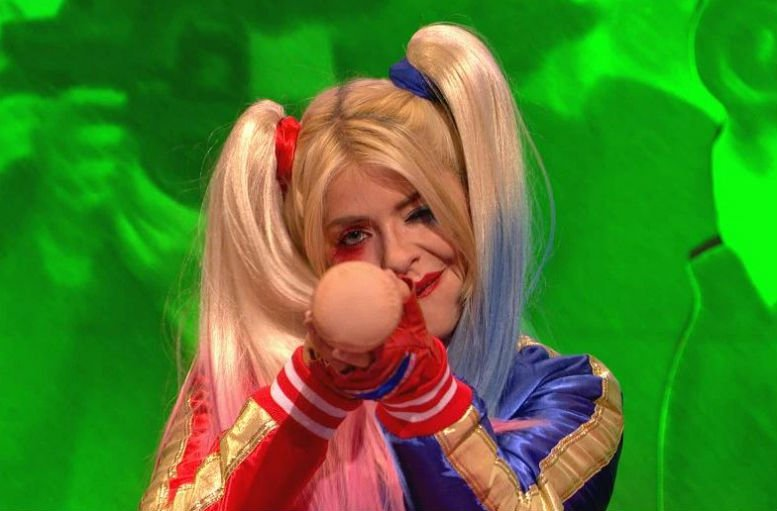 holly-willoughby-harley-quinn-itv2