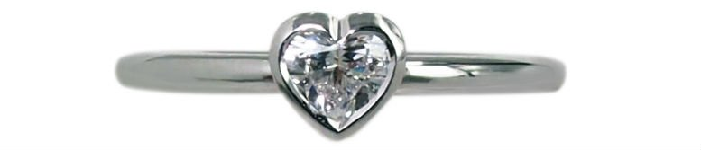 amore-18k-gold-heart-diamond-solitaire-ring