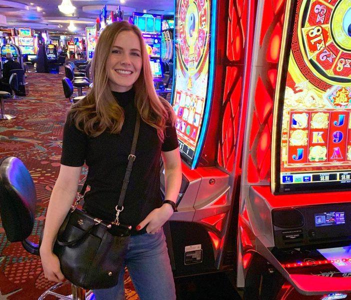 How Slot Streamer Girls On YouTube Make Money – FM For Music
